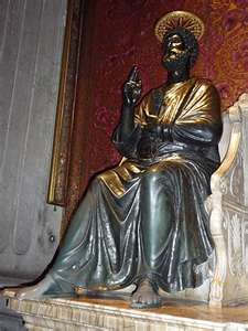 St Pierre, dans la chaire duquel enseigne le Pape infaillible