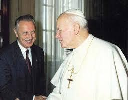 Le Pape Jean-Paul II avec le Professeur Jérôme Lejeune, découvreur de la trisomie 21